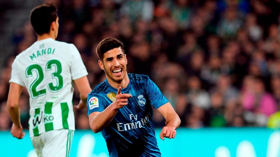 Real madrid gan al betis en un juego de muchos goles el for Juego del madrid hoy