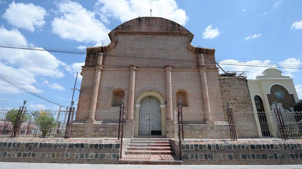 Iglesia Apastepeque