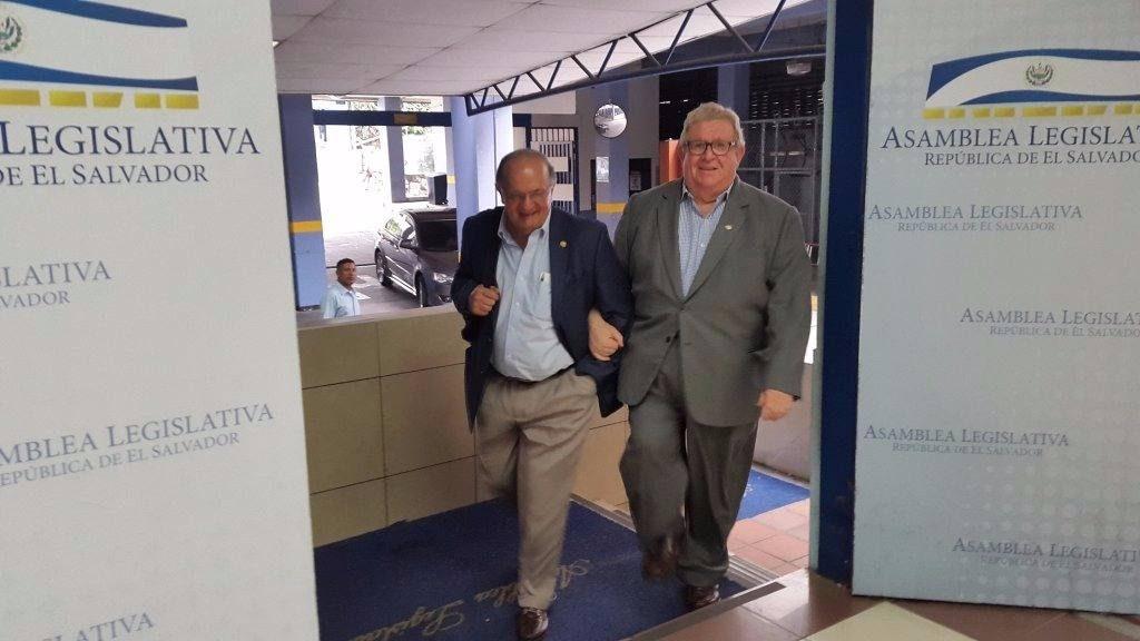Hato Hasbún y Carlos Cáceres llegan a la Asamblea Legislativa