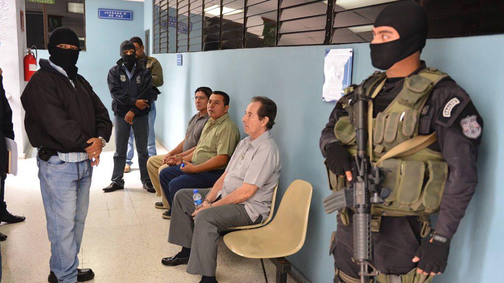 Notifican a cuatro militares su extradición a España