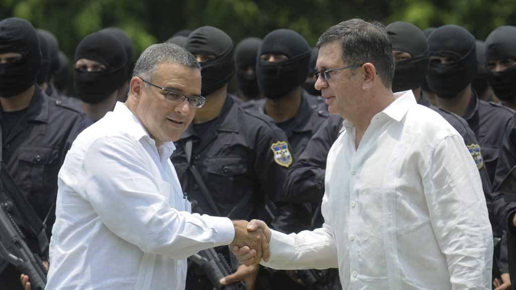 Mauricio Funes y David Munguia Payes