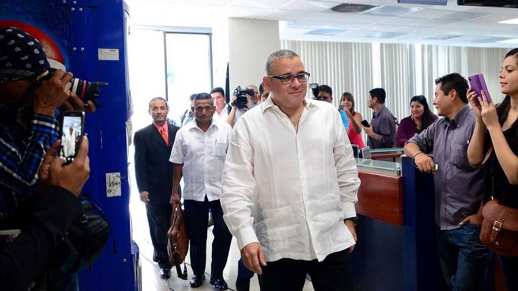 """Fiscal general: """"Mauricio Funes estaba tramitando asilo político en Nicaragua"""""""