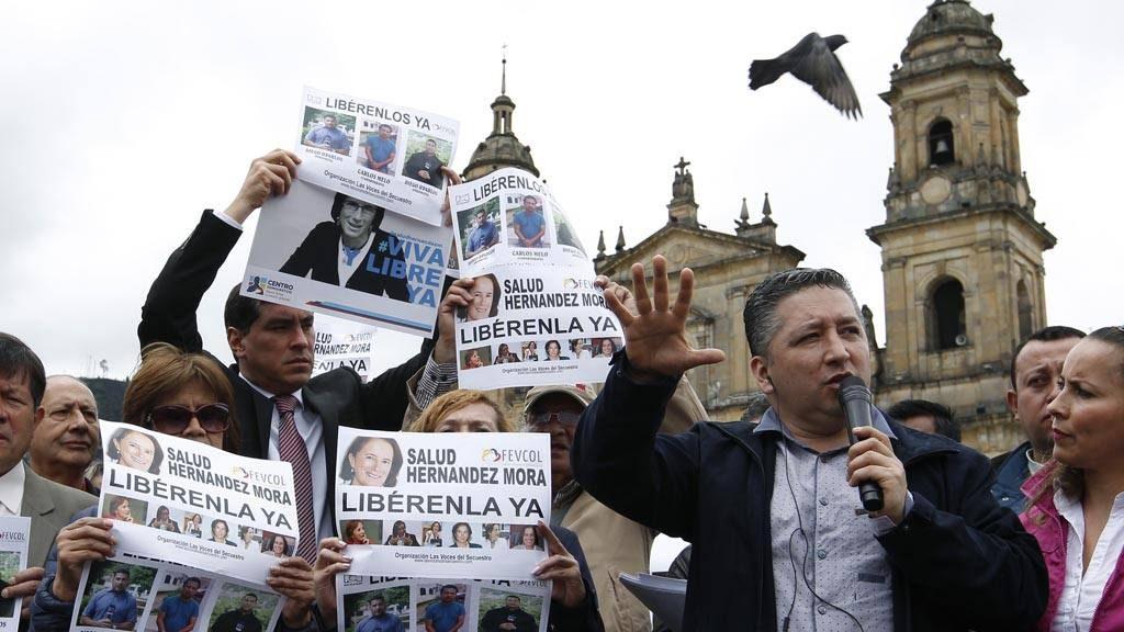 MANIFESTANTES EXIGEN LIBERACI?N DE PERIODISTAS DESAPARECIDOS AL NOROESTE DE COLOMBIA