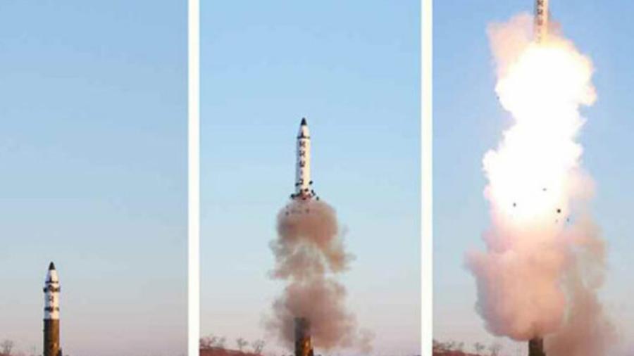 """El lanzamiento del misil balístico es """"inaceptable"""" dice primer ministro de Japón"""