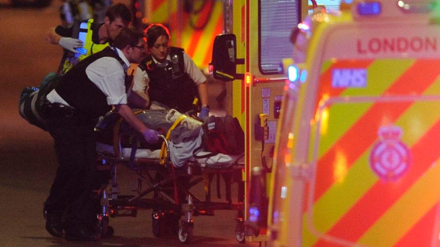 """Policía dice que hay """"más de un muerto"""" en el incidente del puente de Londres"""