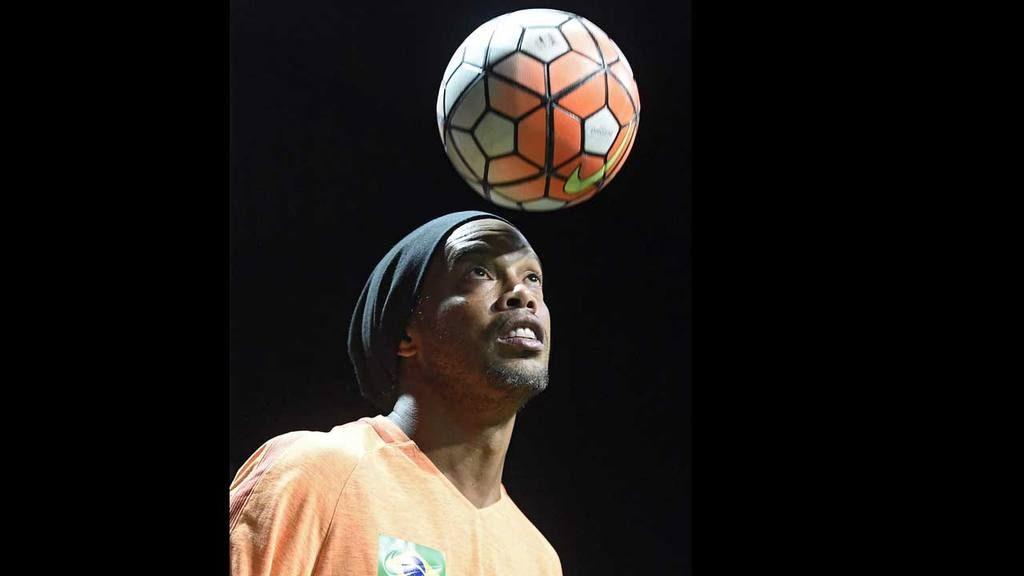 Ronaldinho estará en el 'Mágico' González y el Palacio de los Deportes