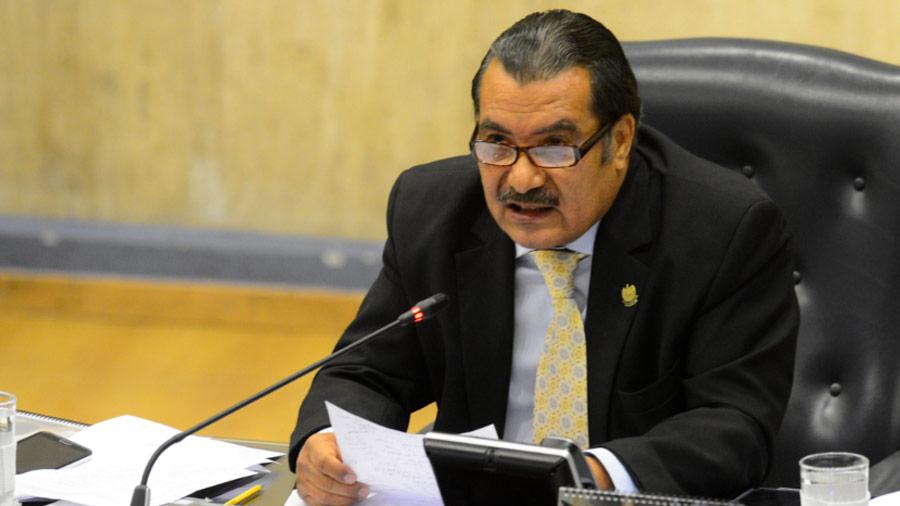 Diputado del FMLN: El país debería estar pensando en una Constituyente