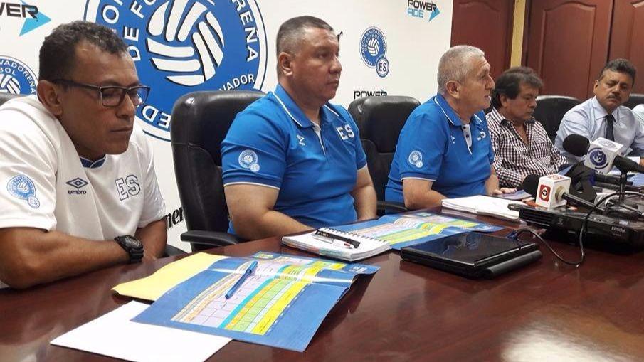 Eduardo Lara presentó su propuesta a la FESFUT