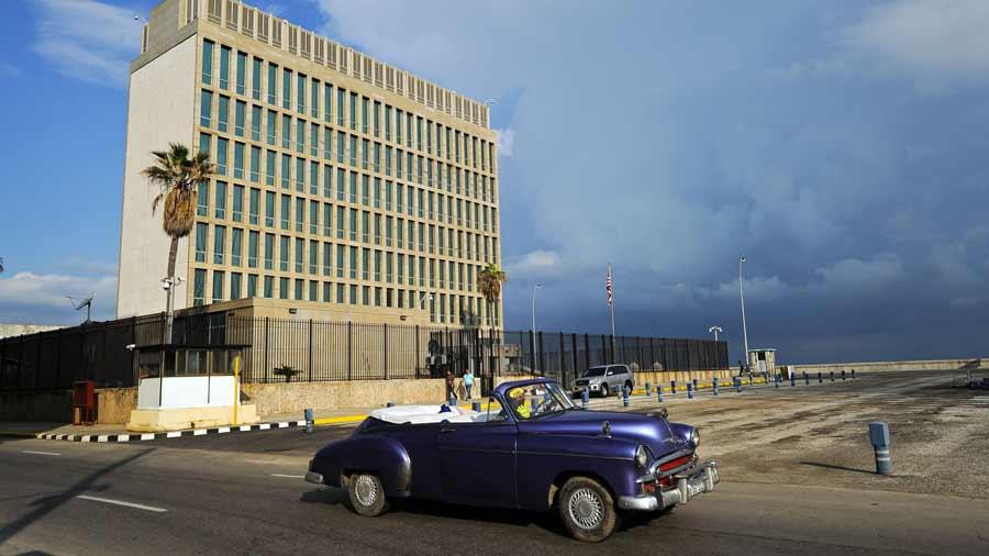 Cuba descarta su objetivo de 5 millones turistas este año y culpa a Donald Trump