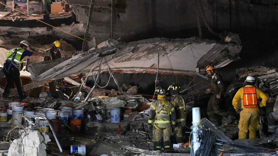 México: Siguen búsquedas tras terremoto, capital reabre escuelas