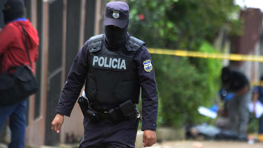 Pandilleros emboscaron a policía que recibiría turno