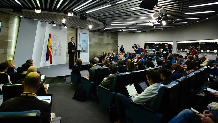 Consejo de ministros de espa a cesa al gobierno de for Ministros de espana
