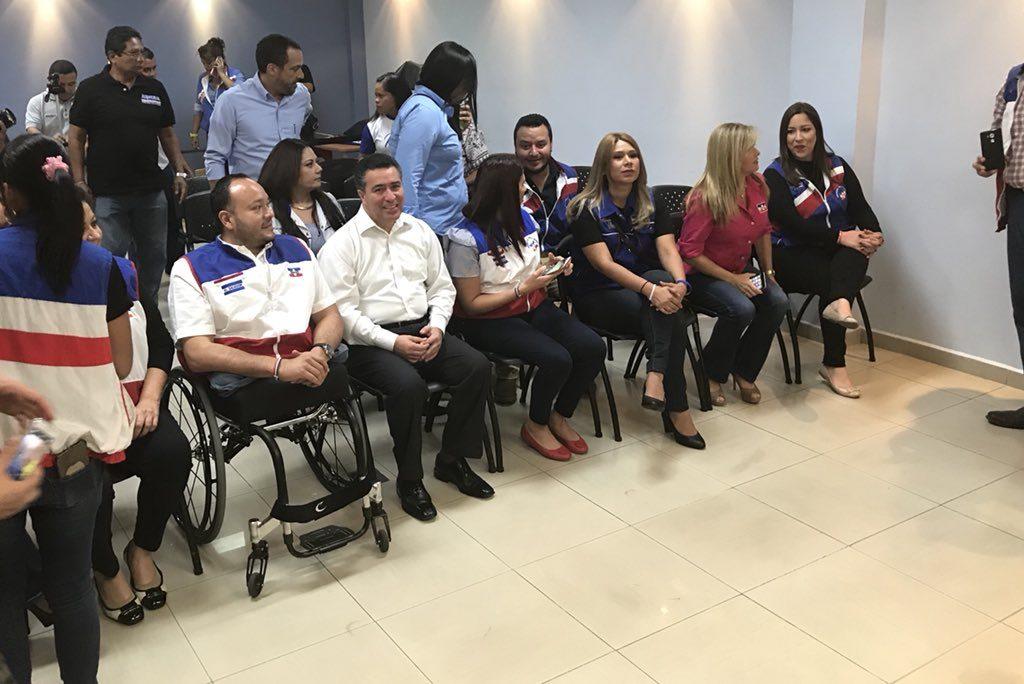 ARENA inscribió a sus candidatos por San Salvador