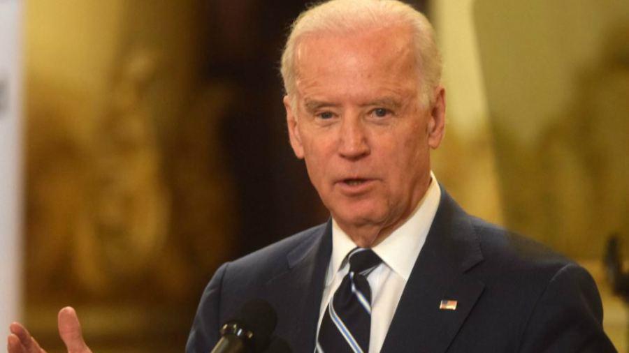 """Biden se postulará a presidente en 2020 si otros no dan un """"paso al frente"""""""