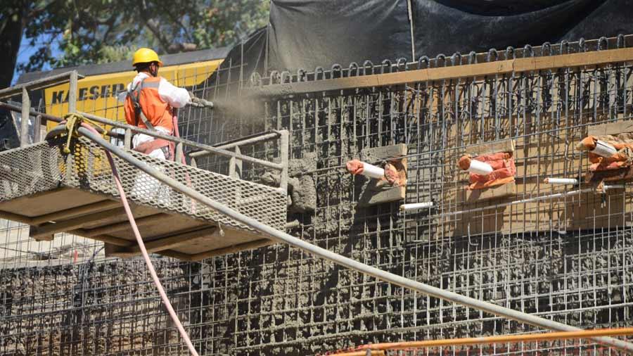 Precios del hierro cemento y energ a el ctrica van al - Precio del cemento ...