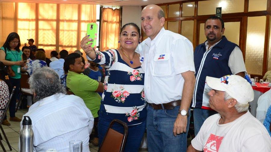 Javier Simán cierra campaña interna en San Julián, Sonsonate