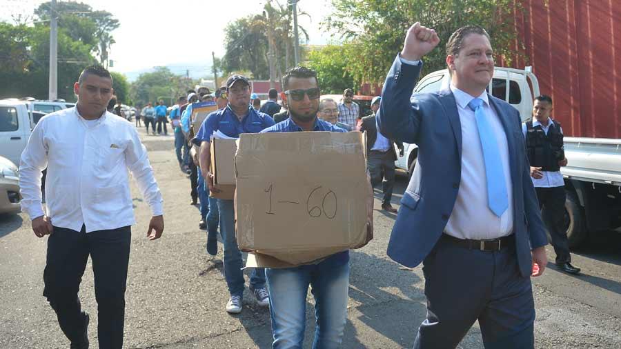 Bukele negocia con el PSP candidatura presidencial para 2019