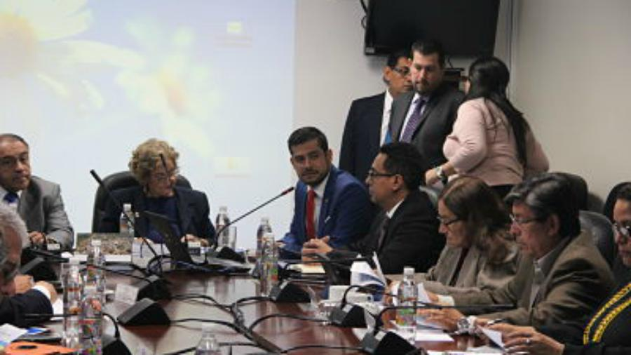 Gobierno pide más deuda por $230 Mlls. a legislatura saliente