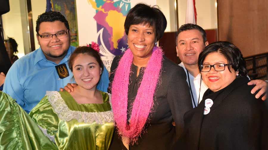 Alcaldesa de Washington D.C. visitará el país para firmar hermandad con San Salvador