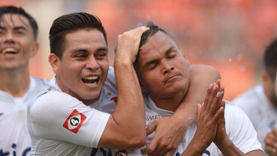 Alianza vence al Águila en un duelo frenético