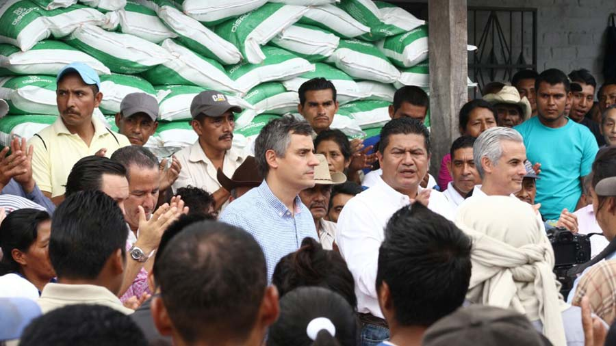 Carlos Calleja busca en Ahuachapán insumos para plan de gobierno