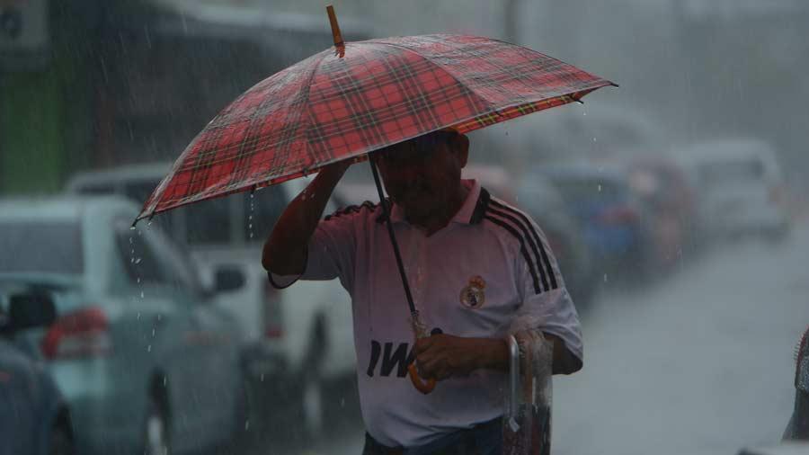Gobierno salvadoreño mantiene aviso por sequía pese a lluvias de últimos días