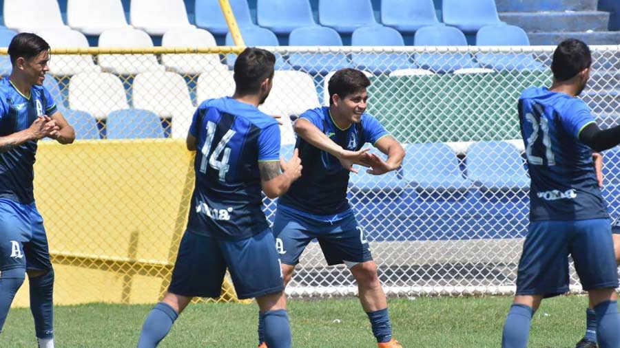 Fito Zelaya vuelve a los entrenos y quiere jugar la final