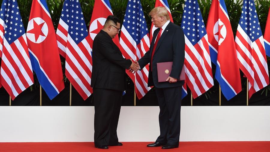 Trump le pide a Kim cambiar misiles por lujosos hoteles