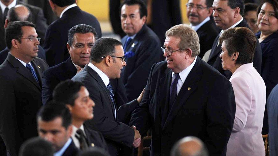 Funes modificó ilegal y a su medida el presupuesto para desviar $351 millones