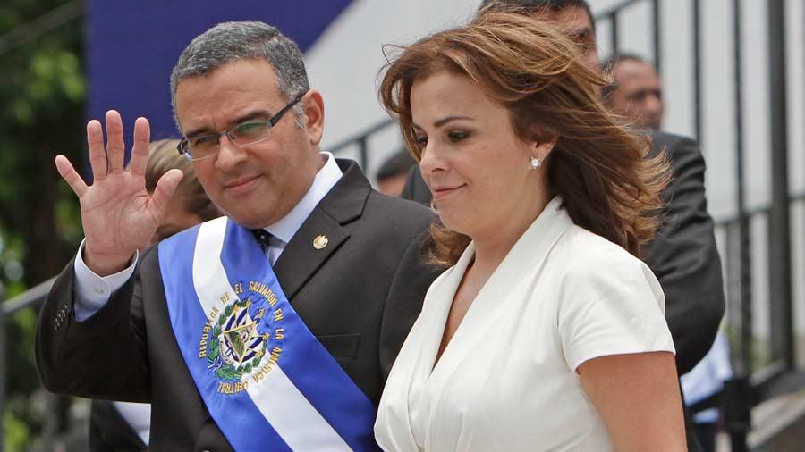 Se atrasa solicitud de extradición de expresidente Funes debido a petición de Vanda Pignato