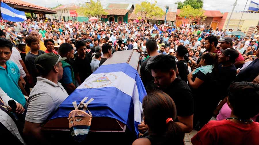 Convocan a paro nacional en Nicaragua mientras se intensifica la violencia