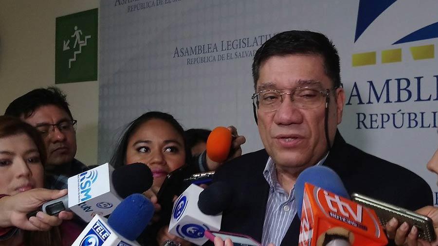 Martel dice que Bukele aún no se ha inscrito en Cambio Democrático