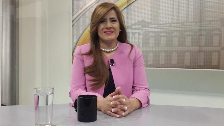 Karina Sosa será la compañera de fórmula de Hugo Martínez del FMLN