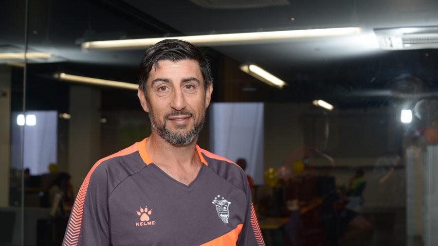 Técnico argentino Cristian Díaz busca revalidar título con el Santa Tecla