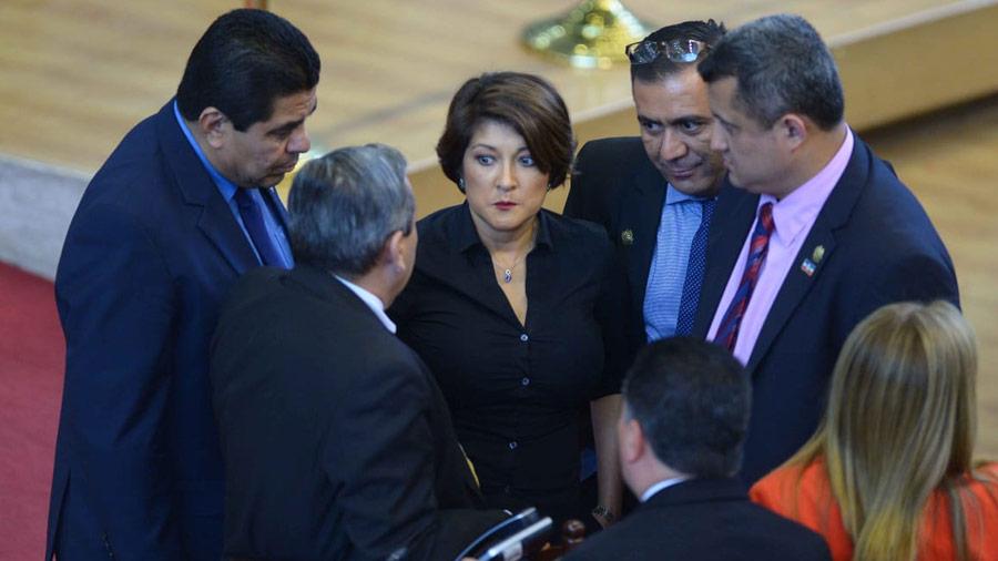 Diputados de ARENA presentan pieza para promover la eliminación del impuesto a la telefonía