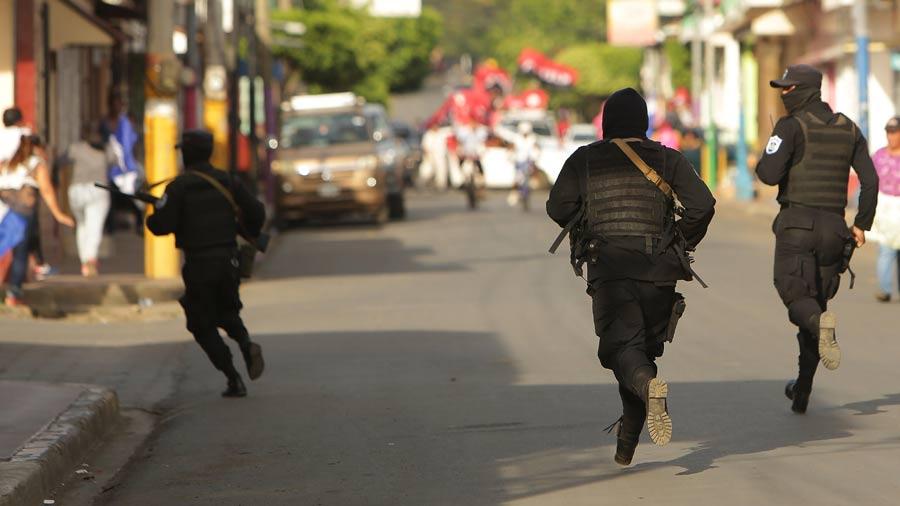 Tiroteo y quema de patrulla en protesta contra Ortega