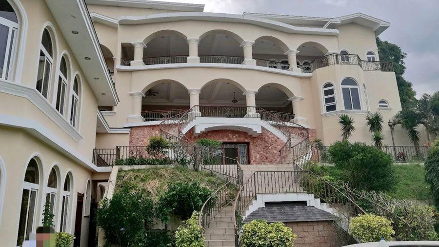 IMÁGENES: Este es el palacete construido con fondos públicos por Saca