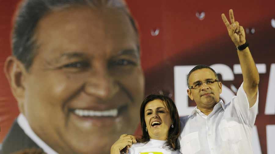Fiscalía investiga a Funes por desvío de $10 millones al FMLN