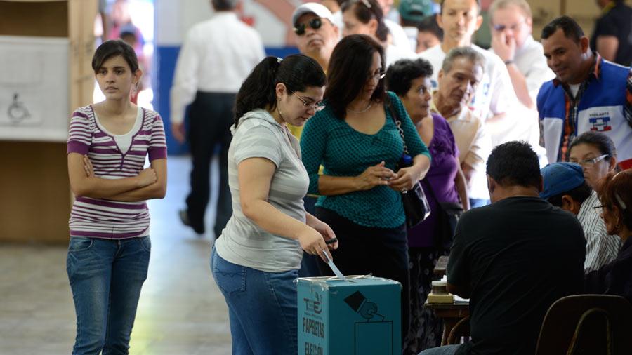 INFOGRAFÍA: Los años con más y con menos votos para ARENA y el FMLN en elecciones presidenciales
