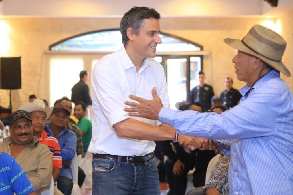 Agricultores y campesinos ofrecen apoyo a Calleja