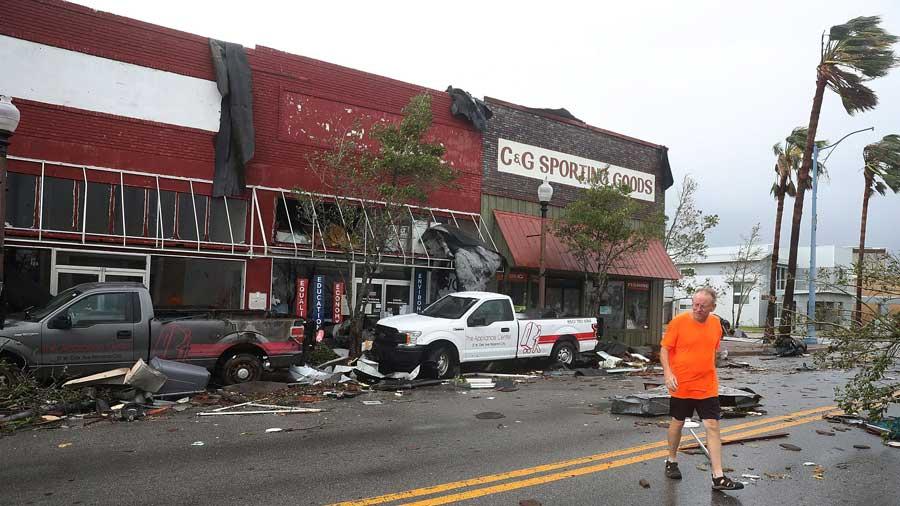 Huracán Michael golpea con fuerza en Florida y deja una víctima