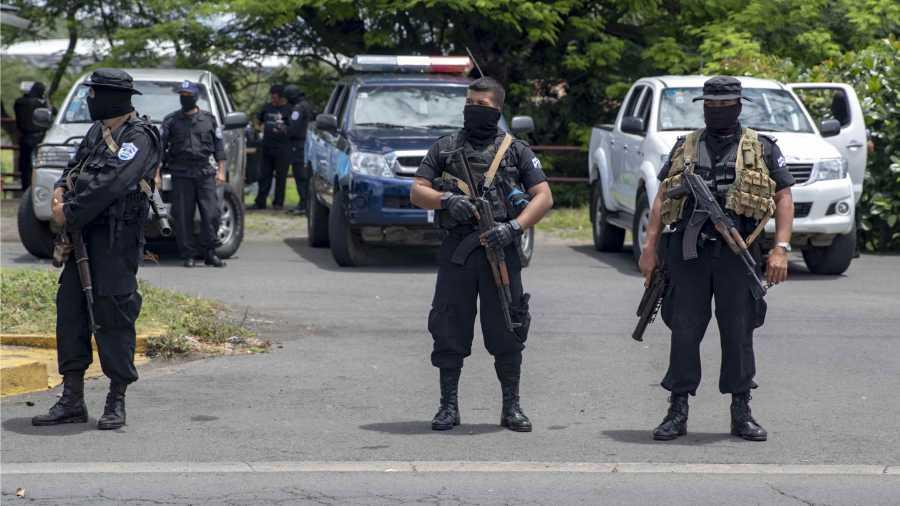 Policía de Nicaragua se despliega  contra marcha