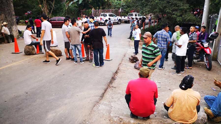 Paralizan las obras en la represa El Chaparral por protestas de los lugareños