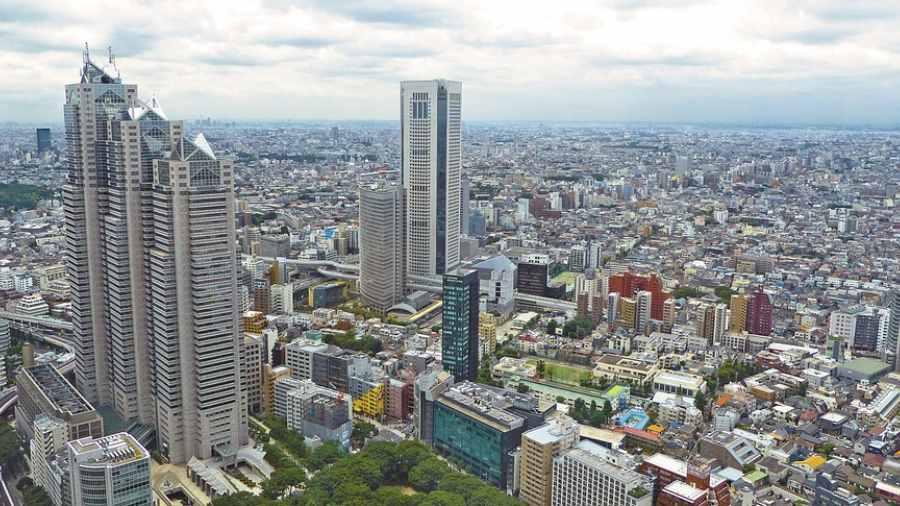 Japón aprueba plan para recibir trabajadores extranjeros