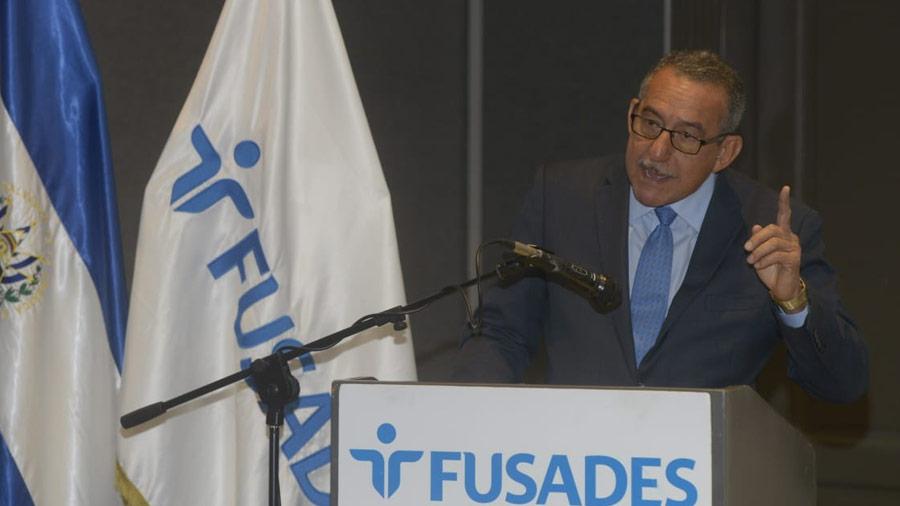 Florentín Meléndez asegura que hay 983 casos paralizados por falta de Sala de lo Constitucional
