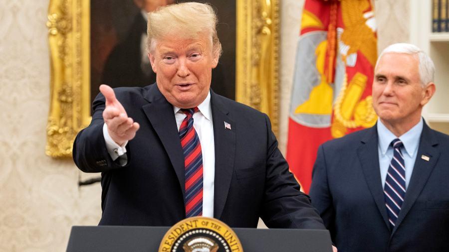 Trump ofrece a demócratas prórroga en programas migratorios a cambio de muro