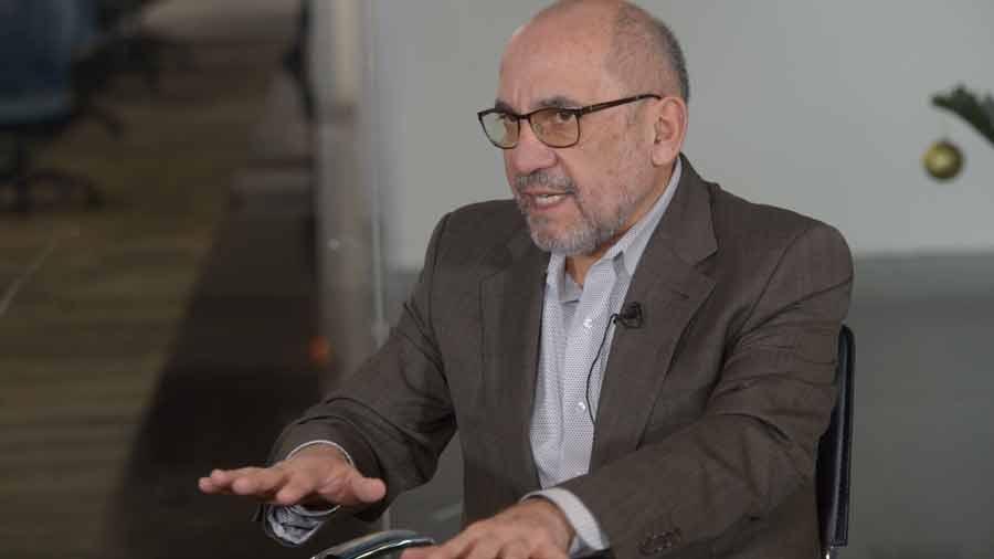 """Magistrado Miguel Cardoza: """"Hay otros temas que debieran de discutirse antes de separar las funciones del TSE"""""""