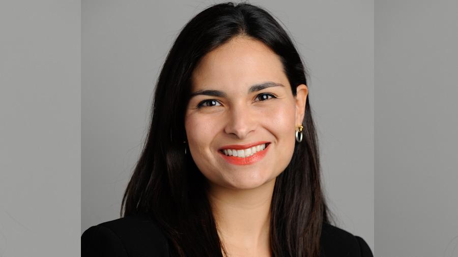 """Ariane Ortiz-Bollin: """"A Moody's le interesa que los acuerdos políticos de El Salvador sean permanentes"""""""