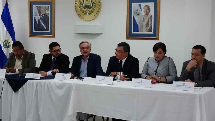 Gobierno amplía plazo a periodistas para presentar propuestas de candidatos a IAIP