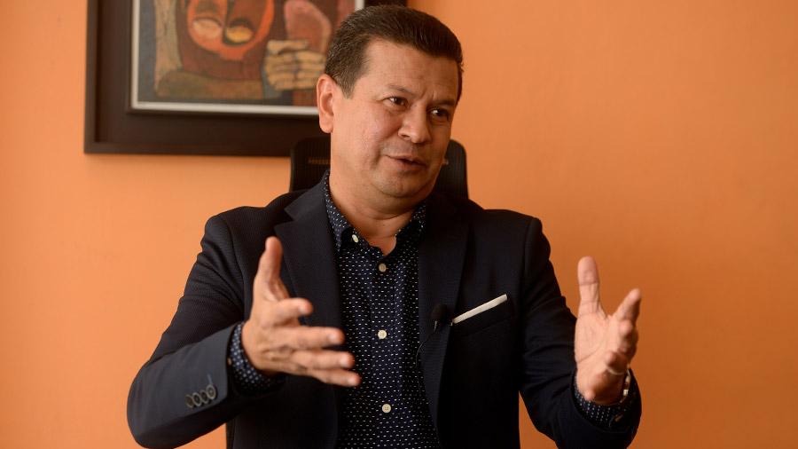 """Hugo Martínez: """"La militancia del FMLN pide abrir espacio a nuevos actores"""""""